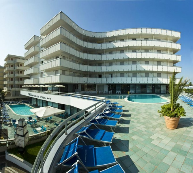 Waldorf Palace Hotel 4 Stelle Cattolica Fronte Mare