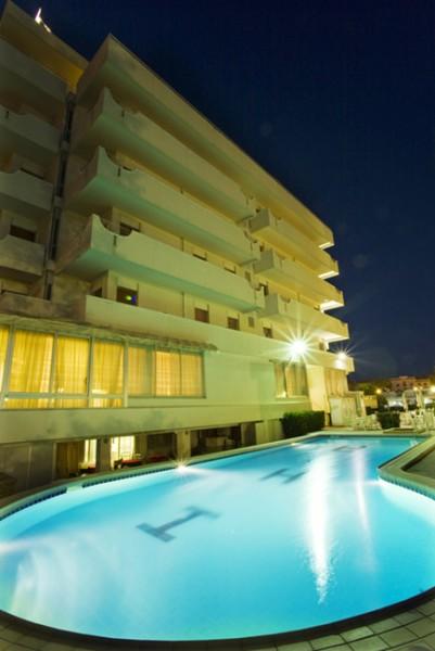 Hotel alexander hotel 3 stelle cattolica con piscina - Cattolica hotel con piscina coperta ...